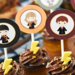 Harry Potter Cupcakes with Printable Toppers - An easy and cute dessert for a Harry Potter party!