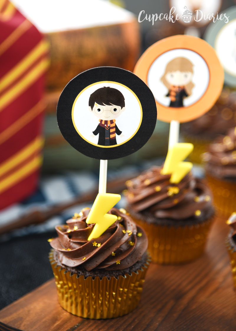 Harry Potter Cupcakes with Printable Toppers are so easy to make and the perfect dessert for any Harry Potter event!
