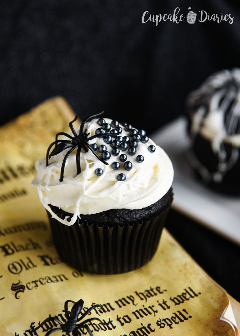 Who doesn't love a cupcake covered in spider eggs and spider webs? These creepy cupcakes are so much fun! for Halloween!