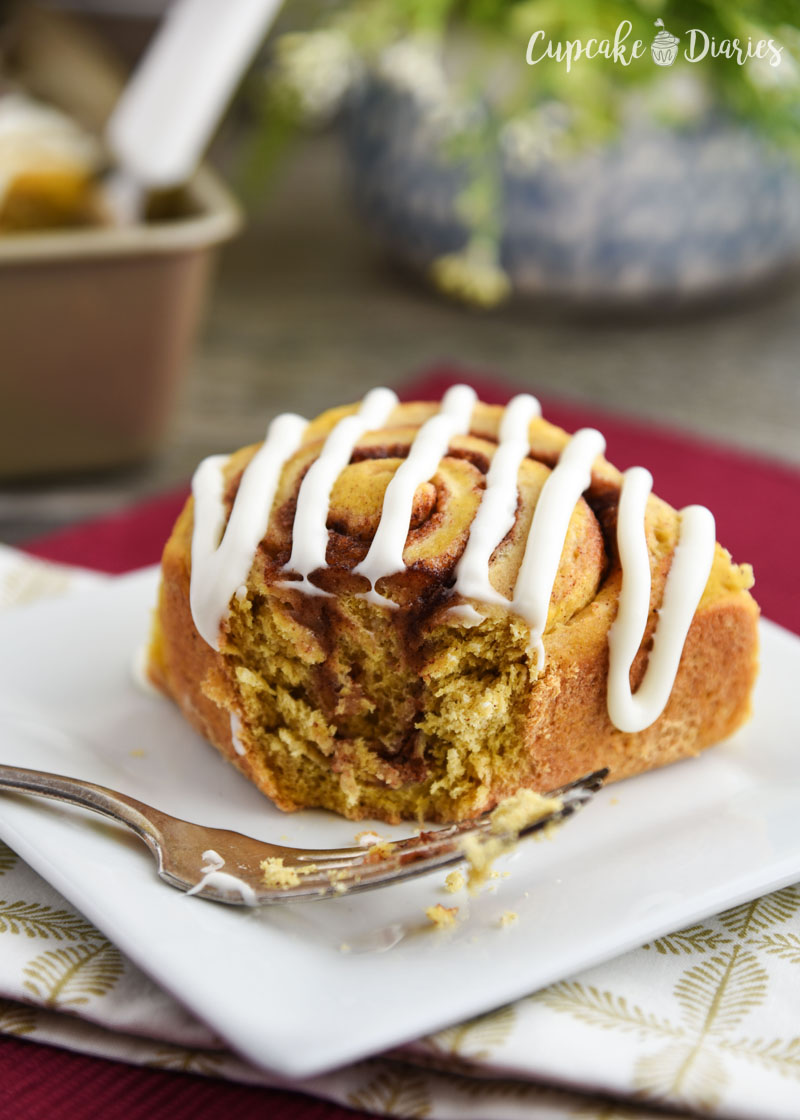 Fall dessert just got really yummy! These cinnamon rolls are so tasty and loaded with pumpkin flavor.