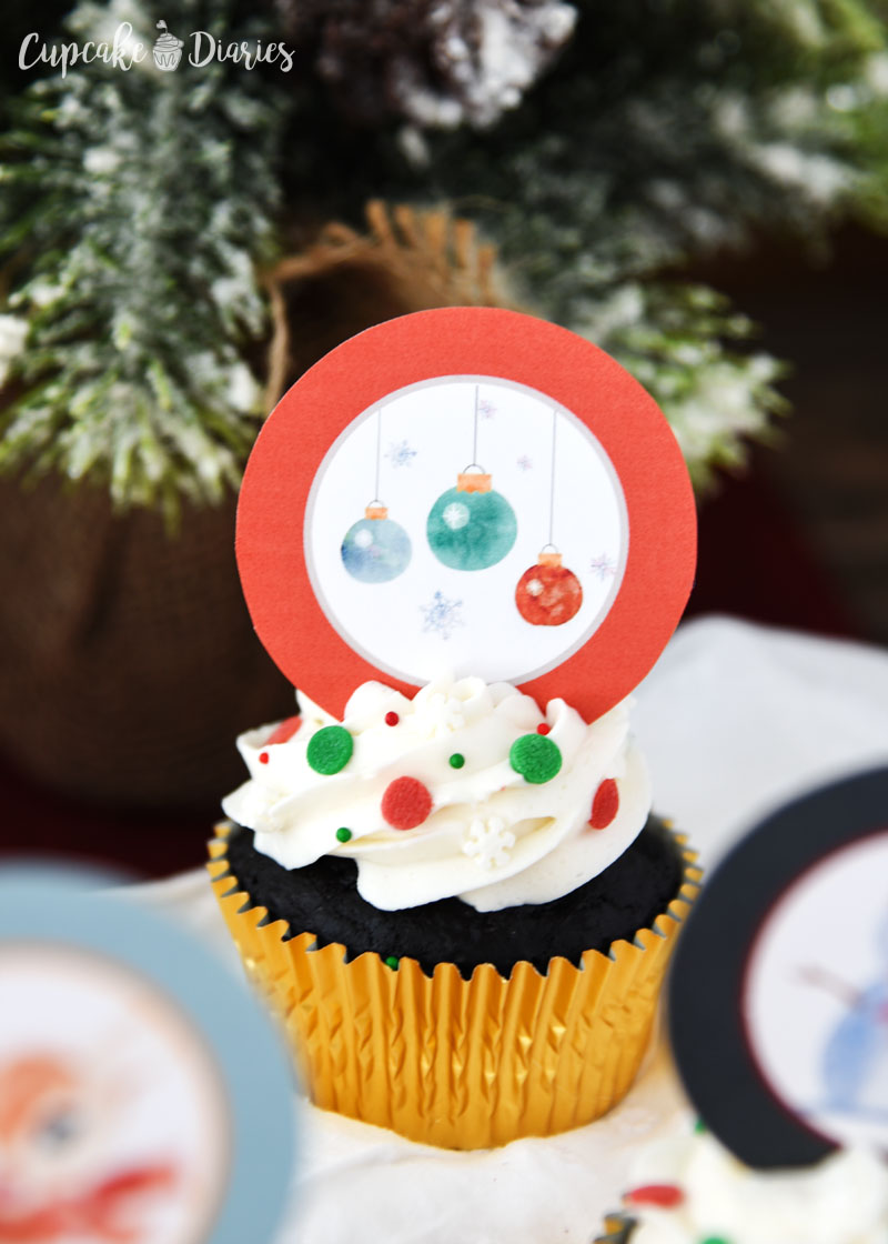 Christmas is in the air with these Rudolph and Friends Cupcakes!