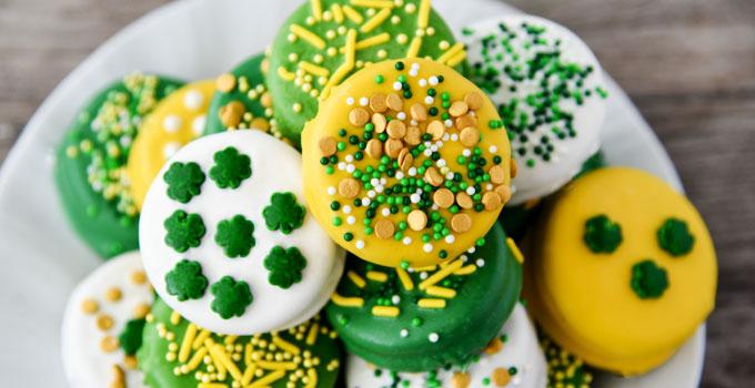 St. Patrick's Day Dipped Oreos