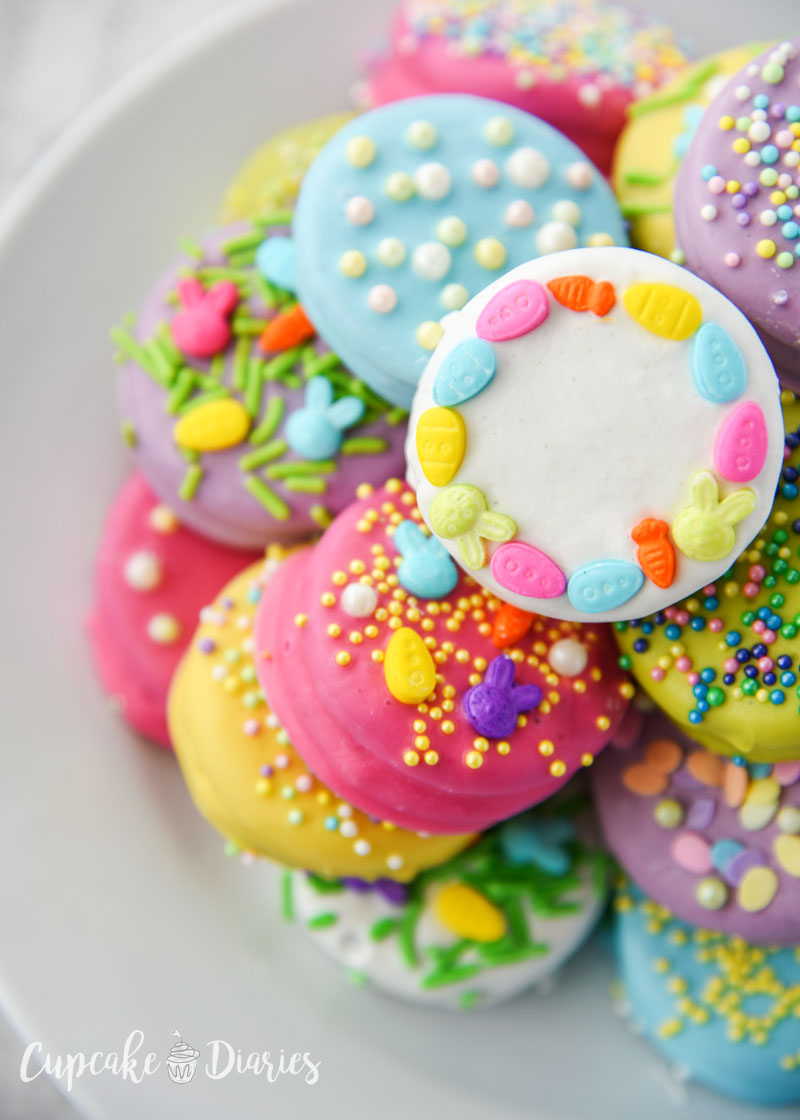 There are a lot of color options for Easter Dipped Oreos!