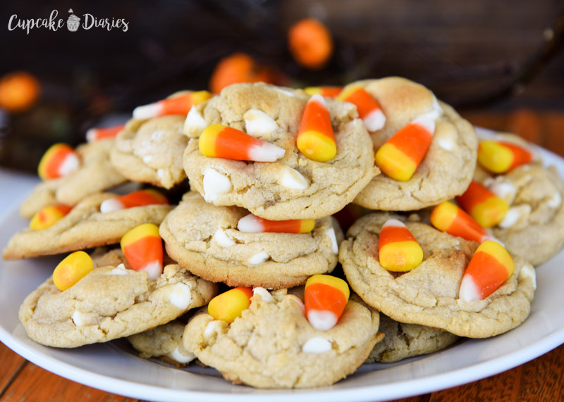 White Chocolate Candy Corn Cookies are the perfect cookie to serve at a fall gathering! Halloween, Thanksgiving, or just a night at home!